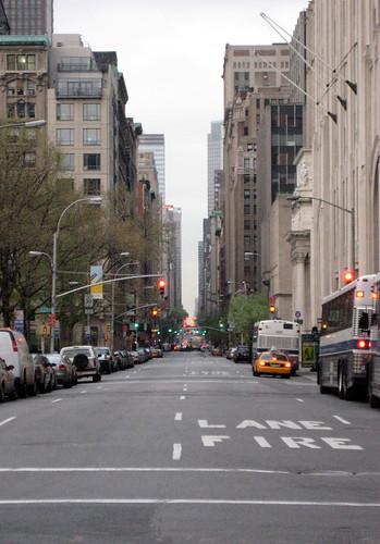 2453483669 0f5132bfa2 Madison Avenue: Vía de glamour y publicidad