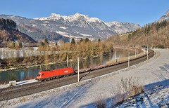 OBB Taurus 1116 076_Pfarrwerfen, Austria_301216_01 (DS 90008) Tags: obb obbcargo wagons freight container containers logistics train electricloco electrictraction river pfarrwerfen werfen austria austrian mountains hills winter electric electricfreight 1116s 1116076 railway railtransport goods pantograph rollingstock outdoors engineering manufactoring track traction transport woodland trees walking nature europeanrailway