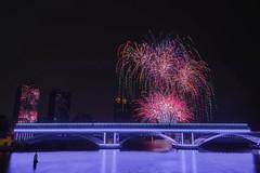 2017高雄燈會煙火 (王宇信) Tags: dsc098333435 夜景 高雄 煙火 firework 煙火秀 taiwan kaohsiung 愛河 sony a6000 光榮碼頭 e16 sel16f28 高雄燈會