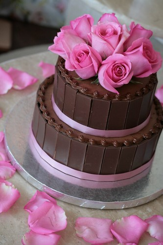 Chocolate Wedding Cakes With Flowers