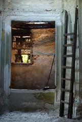 DSC01941.jpgl (rosa_pedra) Tags: antica villa rudere abbandono maggiordomo viaggiosimo