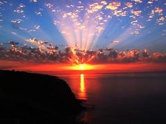 + 18.000 View..Obrigado..Thanks..Merci..Grazie..Gracias.. (Casimiro Valrio) Tags: luz portugal sunrise mar fuji prdosol brucespringsteen azores nordeste aores achada smiguel artisticexpression platinumphoto finepix6500fd ilustrarportugal waitinonasunnyday
