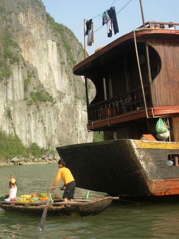 Sur l'eau-Ha Long (1)