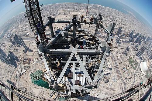 Año nuevo en la torre mas alta del mundo + chemical brother