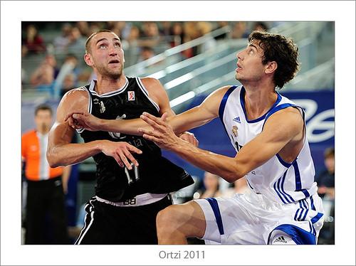 Real Madrid-Bilbao Basket by Ortzi Omeñaka