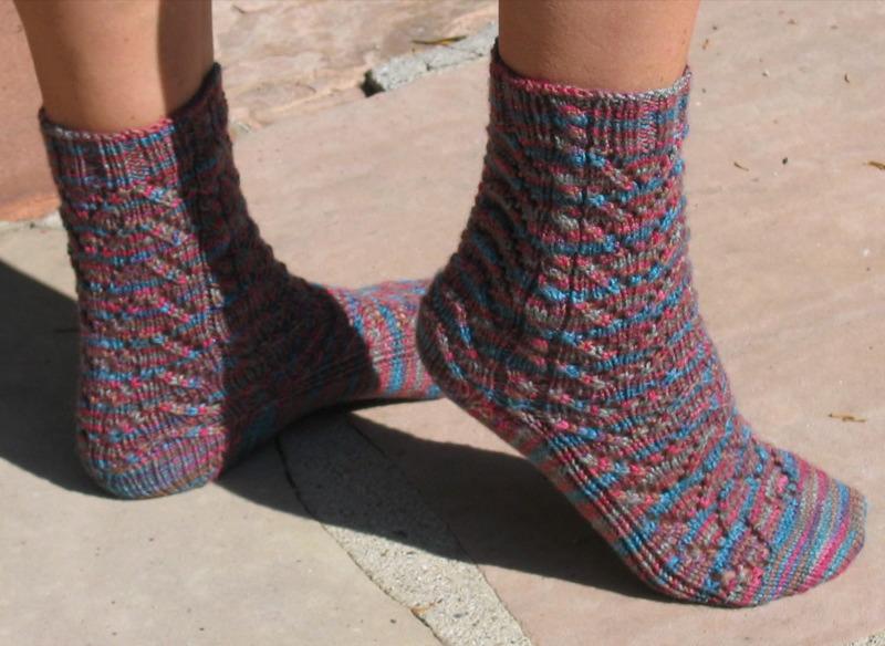 Keep On Knitting In The Free World: Heather Chevron Socks