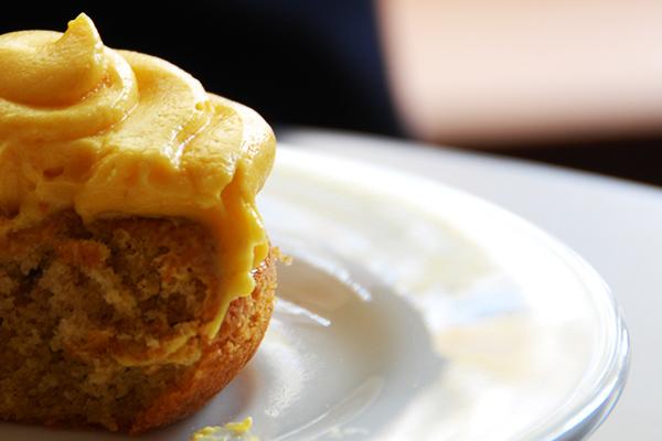 pumpkin-cupcake-innard