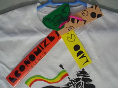 Tag and Stickers (Lado  C) Tags: art make shirt de stencil sticker hand arte c tag lion tshirt lado judah reggae camiseta rasta mo cabide leo feita alternativo