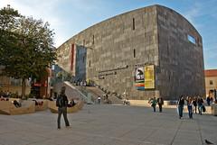 museumsquartier. (gr0uch0) Tags: vienna austria wenen ismir museumkwartier ismir2007
