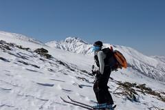 富良野岳を右手に登る