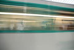 Mtro - 20 (Stephy's In Paris) Tags: paris france underground subway nikon metro mtro francia stephy mtroparisien mtropolitain d80 nikond80 mtrodeparis stephyinparis