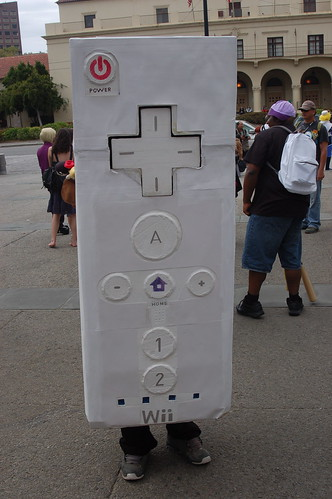 Outside Fanimecon 2008: WiiMote