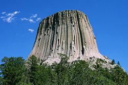 250px-Devils_Tower_CROP-2