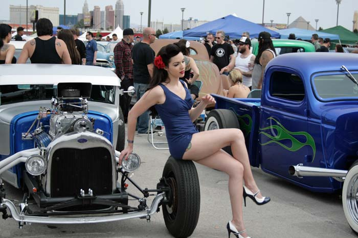 Carshow pinup 199