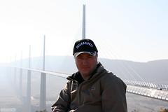 IMG_1731 copie (AlainG) Tags: aveyron d12 viaduc millau bridge me alain gillet highway a75 meridian canon 20d landscape paysage pont