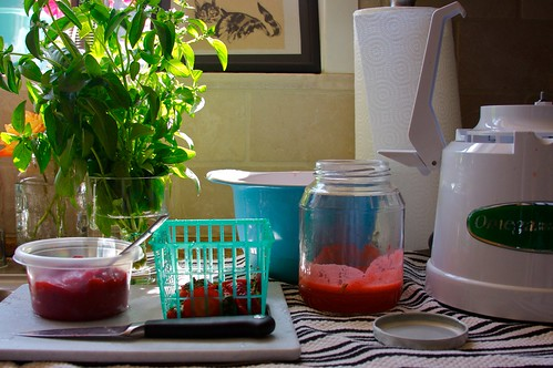 juicing strawberries
