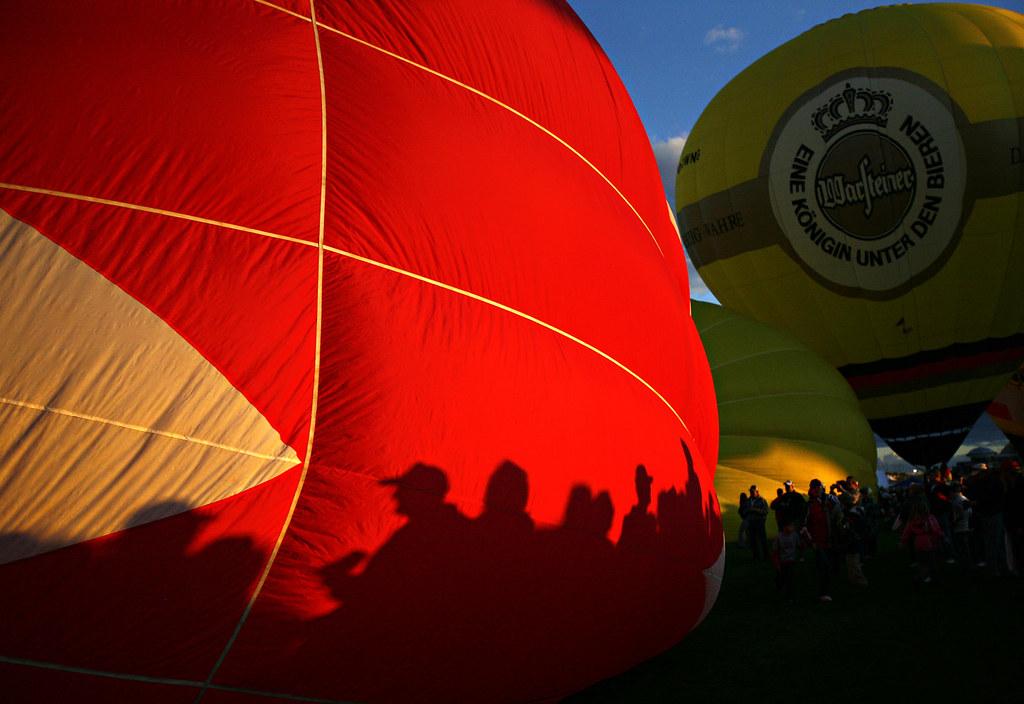 mp_balloonglow07/METRO/MorganPetroski/100508
