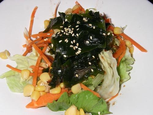 不難吃的沙拉在肉與肉中間搭配不錯