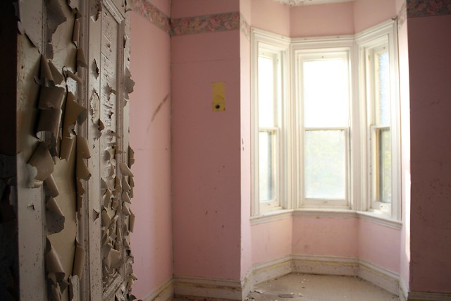 pink rooms galore