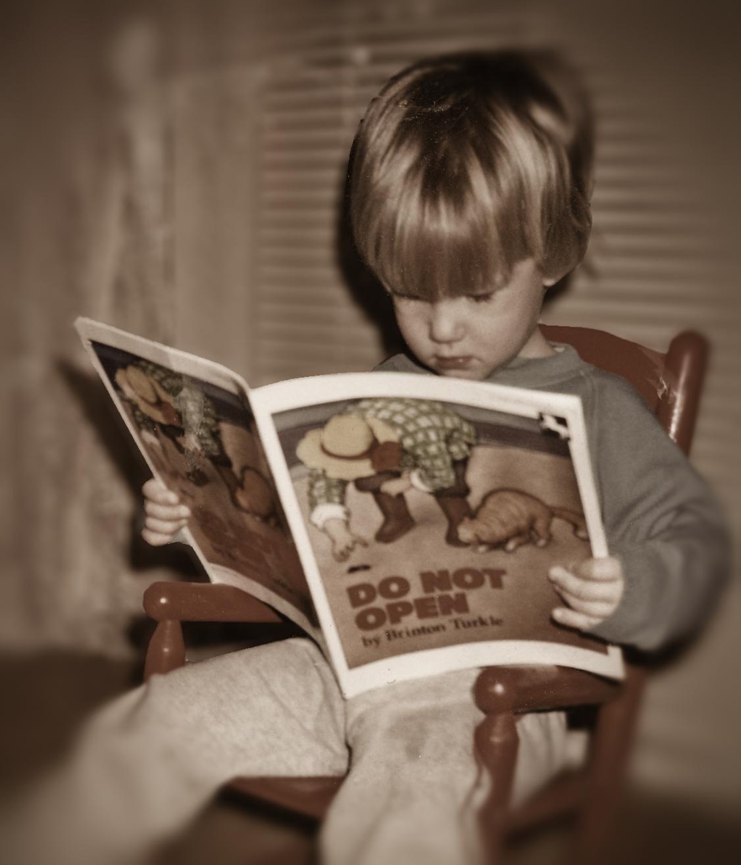 Acil Kitap okuyan �ocuklar resmi