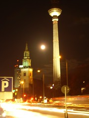My Moon (Ninifaye) Tags: berlin unscharf