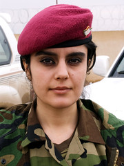 Iraq Kurdistan (Chris Kutschera) Tags: portrait woman soldier army femme iraq erbil soldat kurdistan armee irak hawler