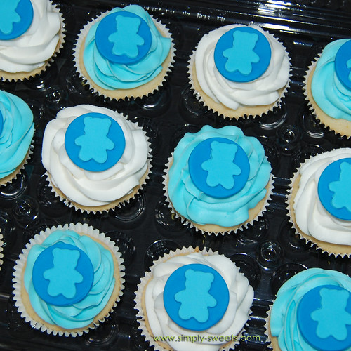 baby boy shower teddy bear themed cupcakes