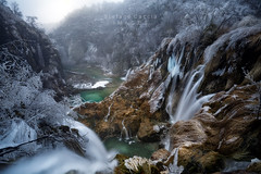 The water games (Stephen Hunt61) Tags: water fall lake lakes cloudy clouds rocks ice frozen nature natura natural frost trees forest winter rocce iced laghi nationalpark parco croazia croatia cscate cascata ghiaccio stefanocaccia