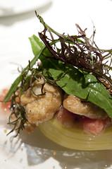 ポロネギをテリーヌにし、北海道昆布森産の牡蠣のポワレを添えて, Monolith, Aoyama