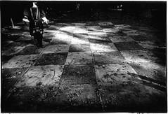 Make Believe, Kansas City-20.jpg (Cyclops Optic) Tags: leica 2001 bw 28mm documentary kansascity m6 renaissancefayre jackhubbell