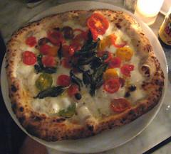 una pizza napoletana's filetti