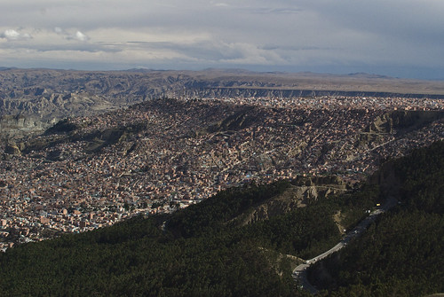 el alto shanty towns creeping up the hill & continuing (on and on) to ...