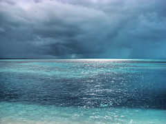 Cloudy day in the Bahamas (Nino H) Tags: ocean sky nature water clouds island coast bravo eau turquoise cte ciel bahamas nuages le cococay theperfectphotographer