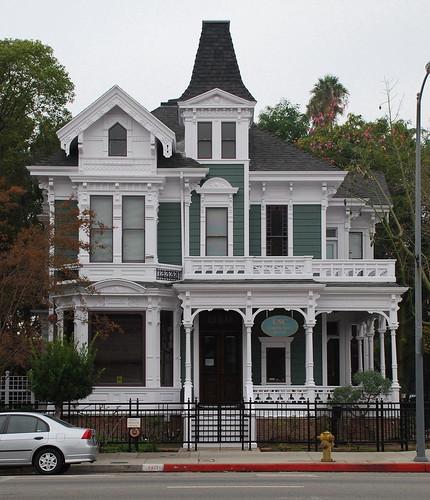 Victorian Carriage House: Big Orange Landmarks: No. 103