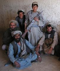 L'enfant soldat (Laurent.Rappa) Tags: voyage travel portrait people afghanistan face soldier war child retrato afghan laurentr enfant ritratti ritratto soldat warphotography kalachnikov laurentrappa