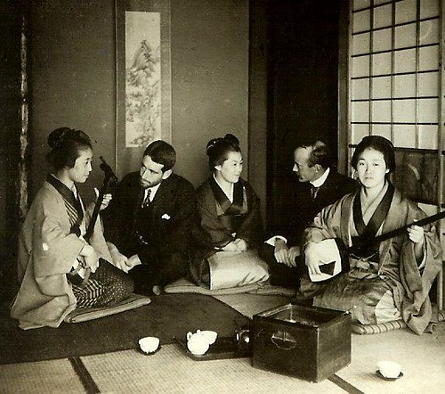 THE MAN WHO LOVED GEISHA GIRLS -- A Foreign Photographer in Old Meiji-era Japan by Okinawa Soba