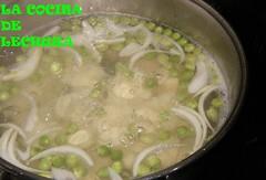 Merluza hervida-patatas y guisantes