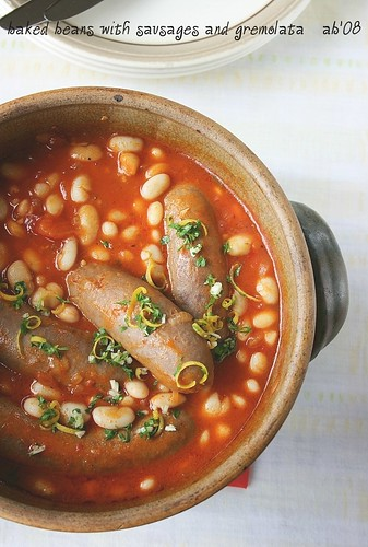baked beans with sausages and gremolata