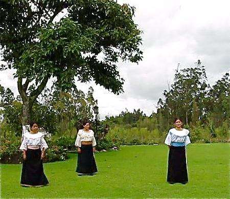 ecuador-dancers