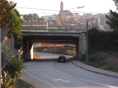 Pas sota l'Autopista a Gelida