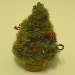 Christmas tree, knitted
