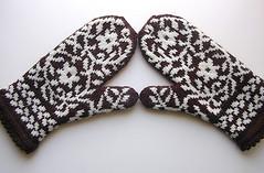 Bird in Hand Mittens--Finished! (kathrynivy.com) Tags: flowers wool birds vines knitting knit merino fairisle stranded fo mitten birdinhand kategilbert colorwork patonsclassicwool ravelry