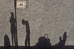 [ another head hangs lowly ] ([ chang ]) Tags: street shadow people walking person persona sadness shot gente zombie walk ombra sombra ombre persone paseo shade paso tristezza andar testa tagliacozzo camminare spselection santemarie ciondolante wwwriccardoromanocom