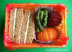 Rambutan & sandwich lunch for preschooler