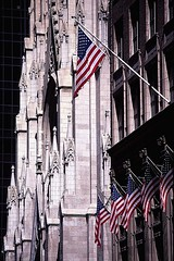 Saint Patrick's Cathedral - New York (miguel valle de figueiredo) Tags: nyc newyorkcity usa ny newyork architecture america arquitectura unitedstatesofamerica religion churches cathedrals flags eua saintpatricks religio igrejas estadosunidos starsstripes bandeiras saintpatrickscathedral usofa estadosunidosdaamrica catedrais