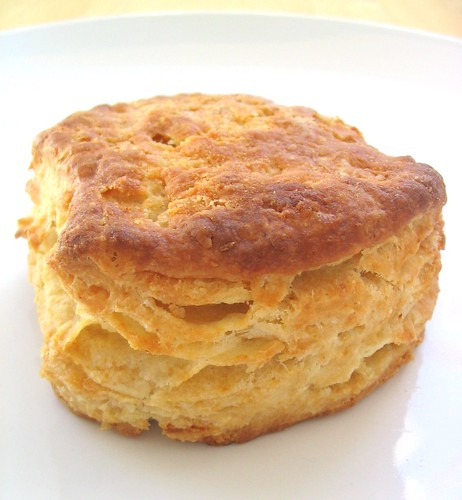 ... Food and Recipe Blog: Flaky Buttermilk Biscuits and Sausage Gravy