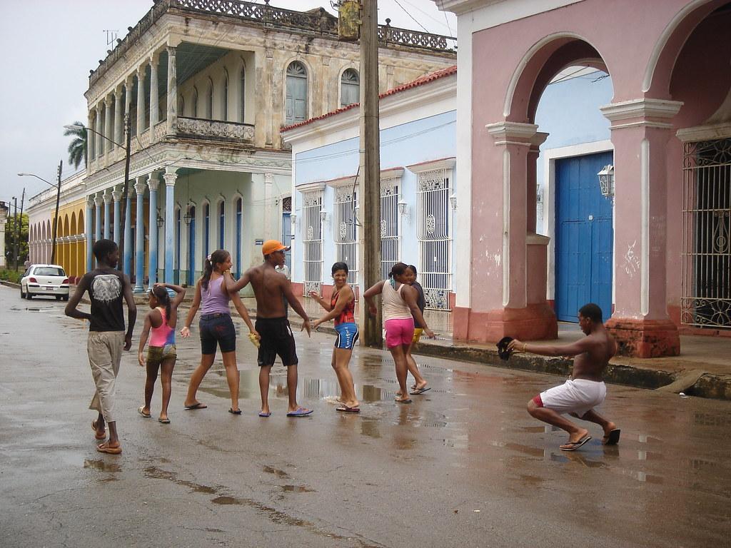 Cuba: fotos del acontecer diario 2335823409_6c13018a1d_b