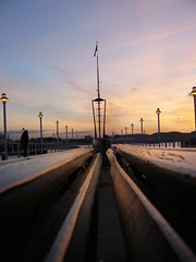 Paseando por Gijón (Quenlla) Tags: puerto asturias puestadesol gijon puertodeportivo quenlla iagocastillo