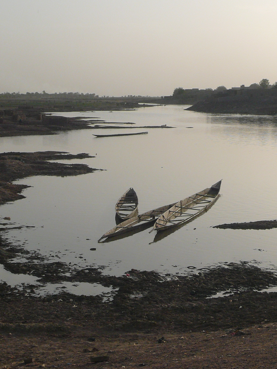 pinasses on the bani river