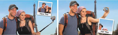Una foto de una pareja haciendose fotos junto a la Torre Eiffel, pero sin sacar la torre Eiffel